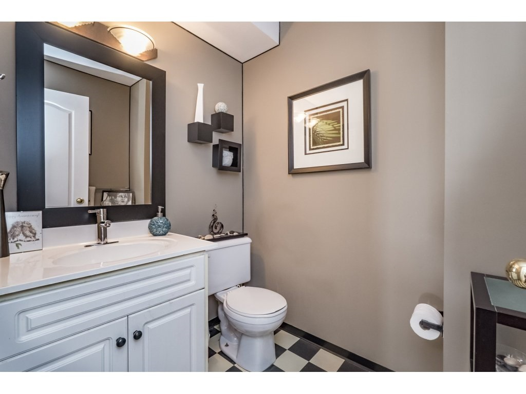 Photo 9: 33731 ERSKINE Avenue in Mission: Mission BC House 1/2 Duplex for sale : MLS® # R2166337