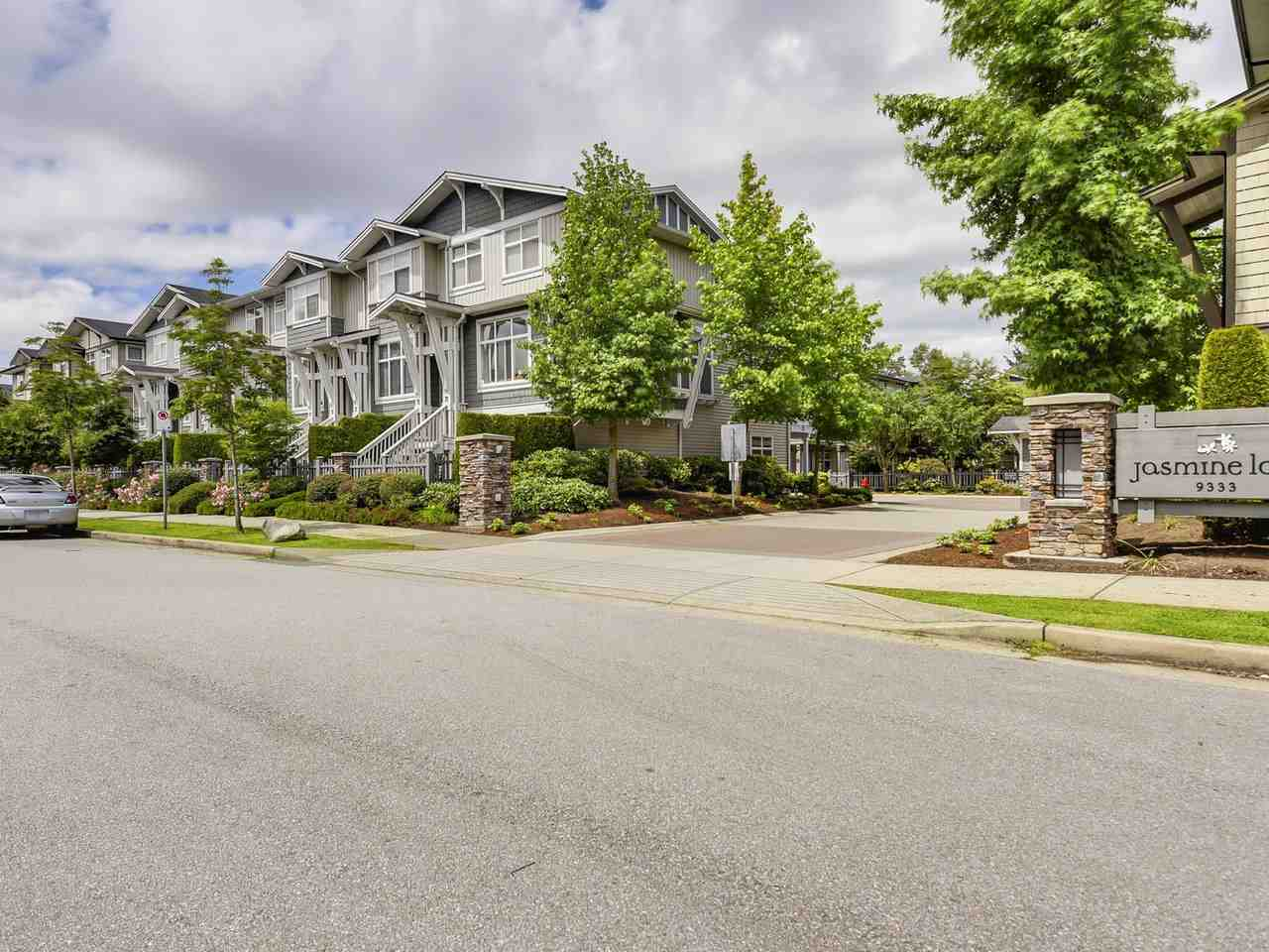 "Main Photo: 47 9333 SILLS Avenue in Richmond: McLennan North Townhouse for sale in ""Jasmine Lane"" : MLS(r) # R2178916"