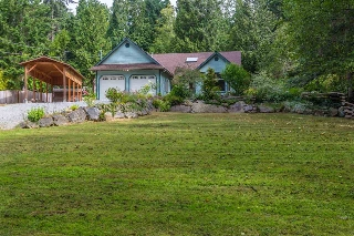 Main Photo: 1116 ROBERTS CREEK Road: Roberts Creek House for sale (Sunshine Coast)  : MLS(r) # R2190899