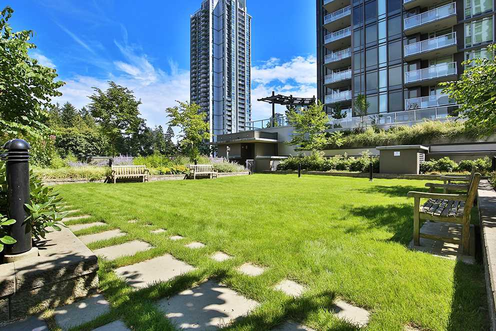 "Photo 13: 1506 3008 GLEN Drive in Coquitlam: North Coquitlam Condo for sale in ""M2"" : MLS® # R2193359"