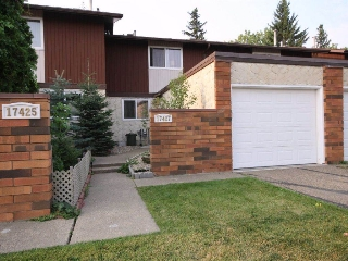Main Photo: 17427 77 Avenue in Edmonton: Zone 20 Townhouse for sale : MLS® # E4081885