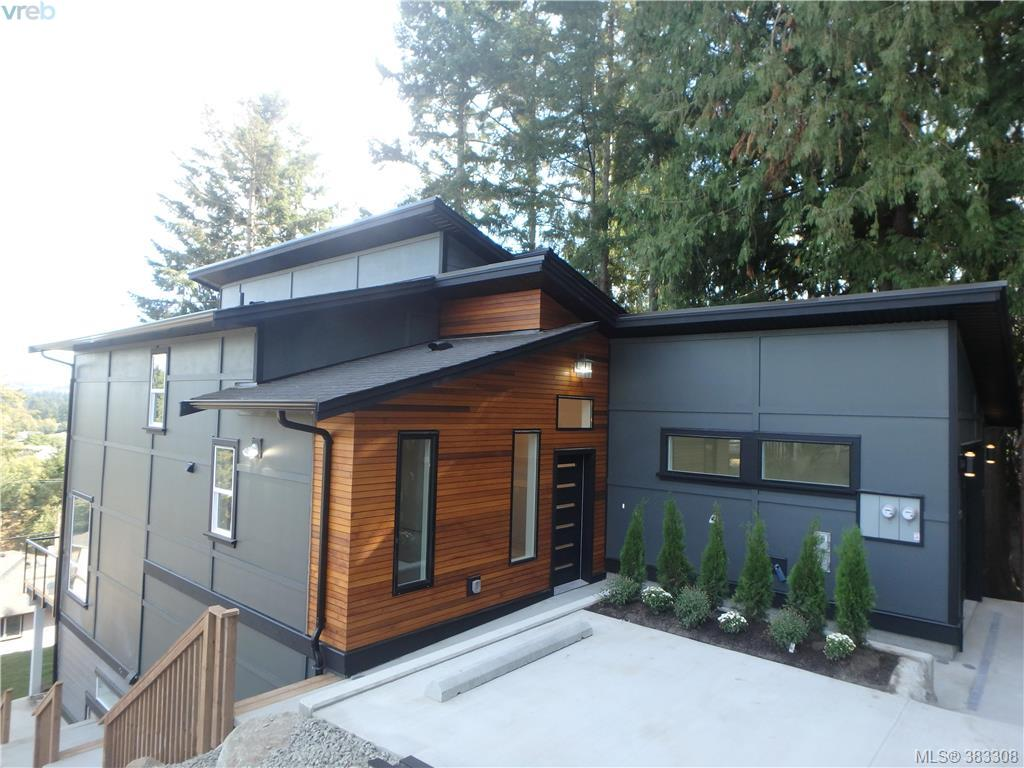 Main Photo: 780 Braveheart Lane in VICTORIA: Co Triangle Single Family Detached for sale (Colwood)  : MLS® # 383308