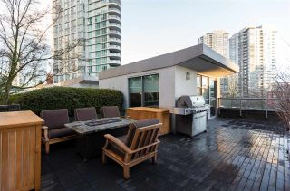 "Main Photo: 1075 EXPO Boulevard in Vancouver: Yaletown Townhouse for sale in ""MARINA POINTE"" (Vancouver West)  : MLS® # R2253361"