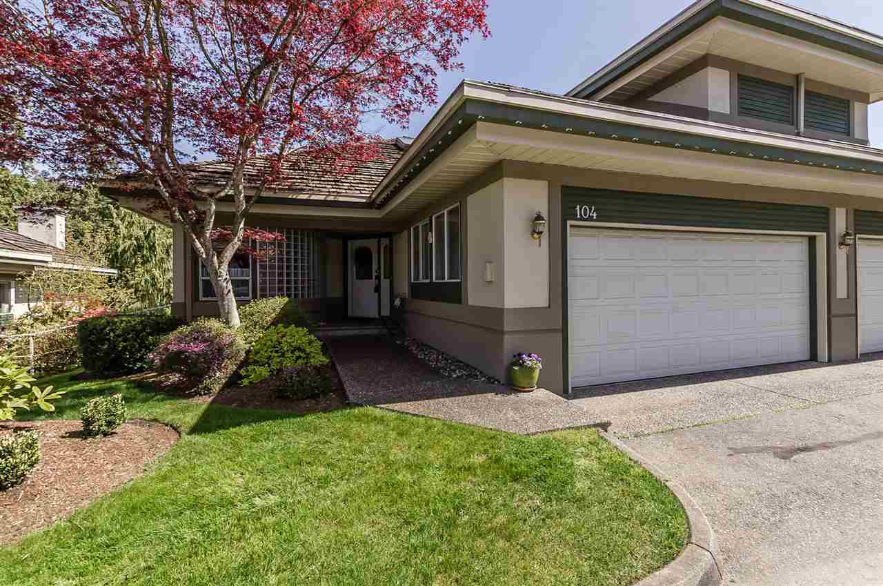 Main Photo: 104 4001 OLD CLAYBURN Road in Abbotsford: Abbotsford East Townhouse for sale : MLS®# R2261473