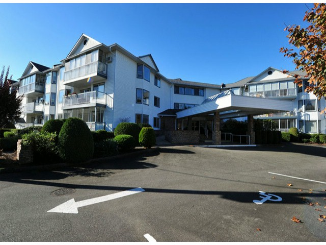"Main Photo: 202 2425 CHURCH Street in Abbotsford: Abbotsford West Condo for sale in ""PARKVIEW PLACE"" : MLS® # F1324258"