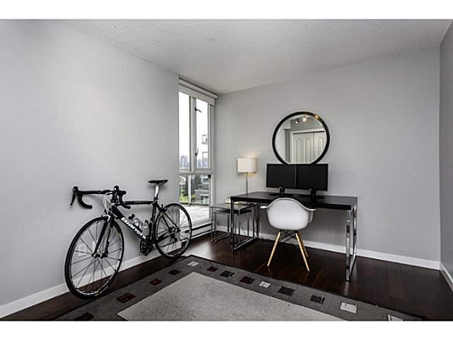 "Photo 11: 611 1485 W 6TH Avenue in Vancouver: False Creek Condo for sale in ""CARRARA OF PORTICO"" (Vancouver West)  : MLS® # V1065227"