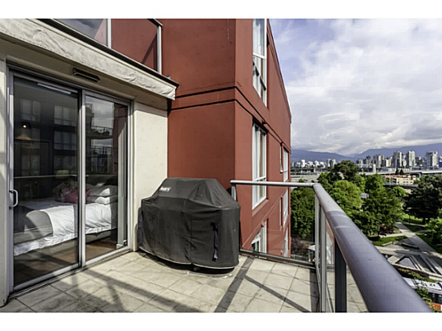 "Photo 9: 611 1485 W 6TH Avenue in Vancouver: False Creek Condo for sale in ""CARRARA OF PORTICO"" (Vancouver West)  : MLS® # V1065227"