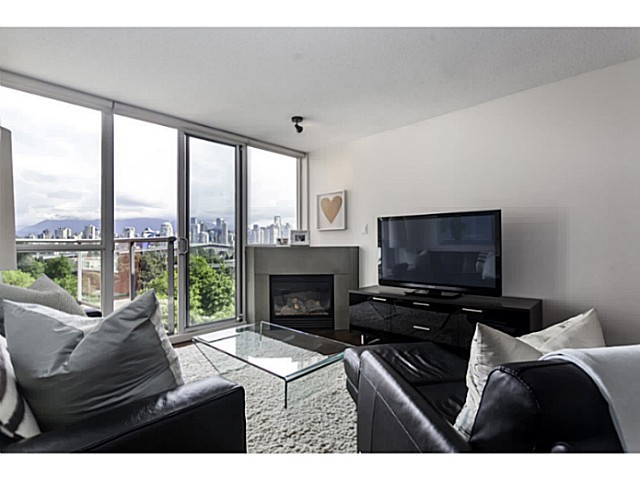 "Main Photo: 611 1485 W 6TH Avenue in Vancouver: False Creek Condo for sale in ""CARRARA OF PORTICO"" (Vancouver West)  : MLS® # V1065227"