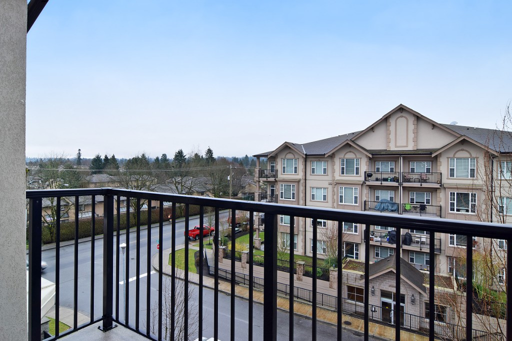 "Photo 13: 408 20281 53A Avenue in Langley: Langley City Condo for sale in ""CHILTON LAYNE"" : MLS® # R2033367"