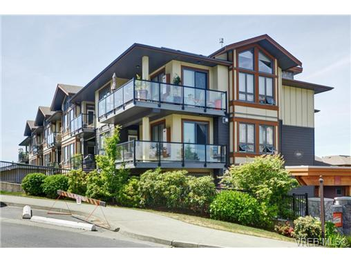 Main Photo: 405 3226 Jacklin Road in VICTORIA: La Walfred Condo Apartment for sale (Langford)  : MLS® # 365099