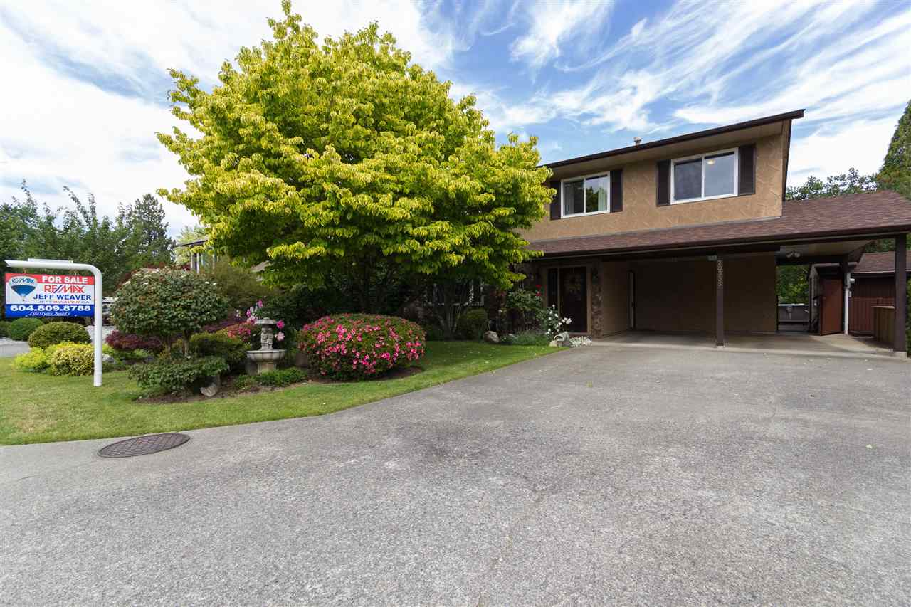 Main Photo: 20935 COOK Avenue in Maple Ridge: Southwest Maple Ridge House for sale : MLS(r) # R2077369