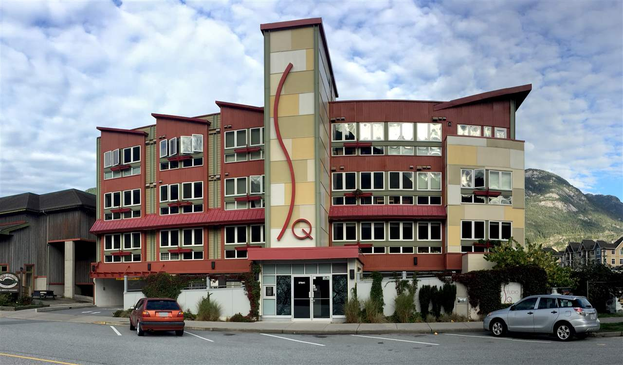 "Photo 4: 308 37841 CLEVELAND Avenue in Squamish: Downtown SQ Condo for sale in ""STUDIO SQ"" : MLS(r) # R2112293"