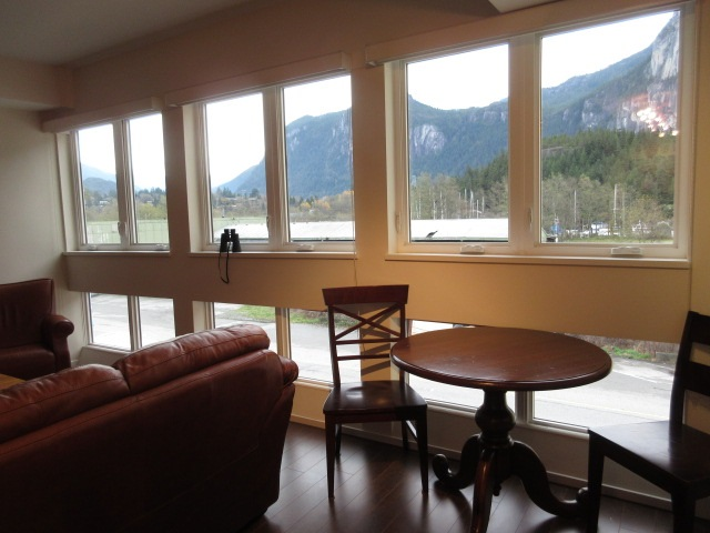 "Main Photo: 308 37841 CLEVELAND Avenue in Squamish: Downtown SQ Condo for sale in ""STUDIO SQ"" : MLS(r) # R2112293"
