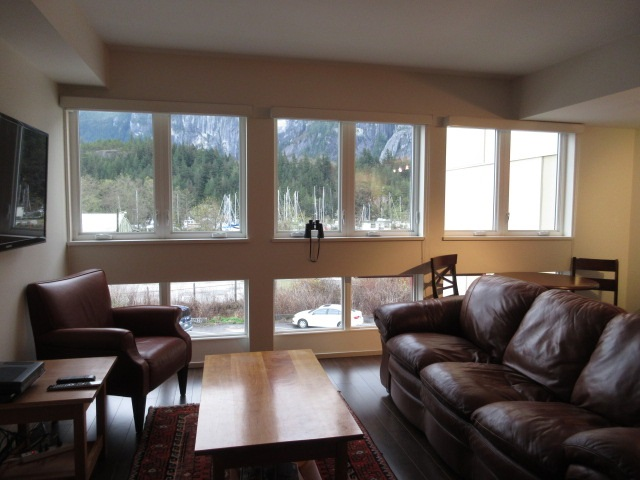 "Photo 2: 308 37841 CLEVELAND Avenue in Squamish: Downtown SQ Condo for sale in ""STUDIO SQ"" : MLS(r) # R2112293"