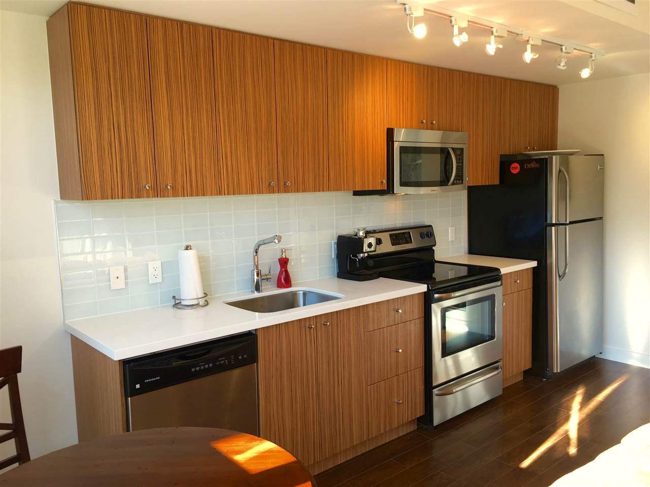"Photo 7: 308 37841 CLEVELAND Avenue in Squamish: Downtown SQ Condo for sale in ""STUDIO SQ"" : MLS(r) # R2112293"