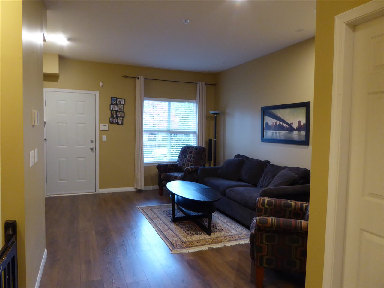 "Photo 3: 93 1055 RIVERWOOD Gate in Port Coquitlam: Riverwood Townhouse for sale in ""MOUNTAIN VIEW ESTATES"" : MLS® # R2117234"