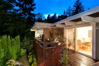 Main Photo: 6194 EASTMONT Drive in West Vancouver: Gleneagles House for sale : MLS® # R2132720