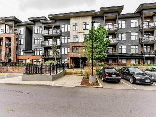 "Main Photo: 203 20062 FRASER Highway in Langley: Langley City Condo for sale in ""Varsity"" : MLS(r) # R2147612"
