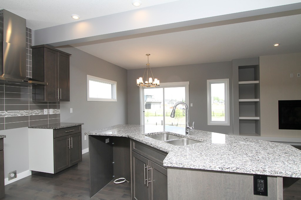 Photo 5: 442 Kensington Boulevard in Saskatoon: Kensington Residential for sale : MLS® # SK604742