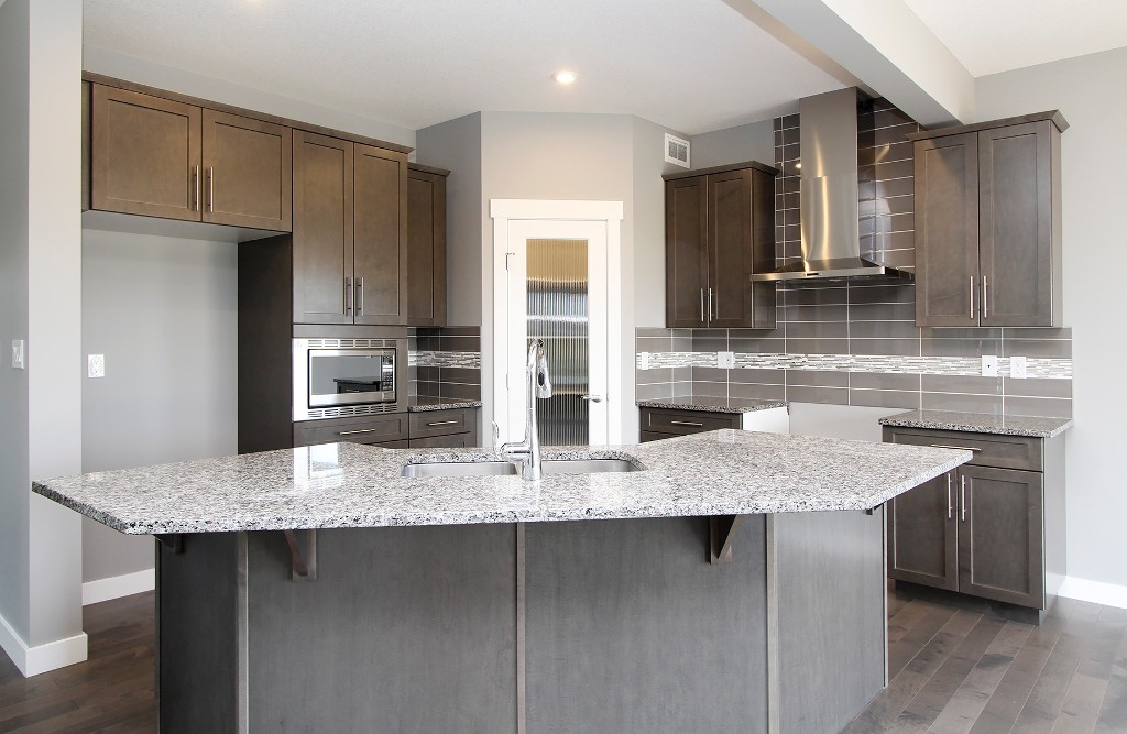 Photo 2: 442 Kensington Boulevard in Saskatoon: Kensington Residential for sale : MLS® # SK604742
