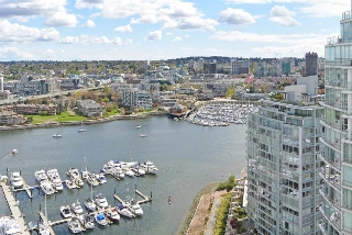 "Main Photo: 3207 1199 MARINASIDE Crescent in Vancouver: Yaletown Condo for sale in ""AQUARIUS"" (Vancouver West)  : MLS(r) # R2165121"