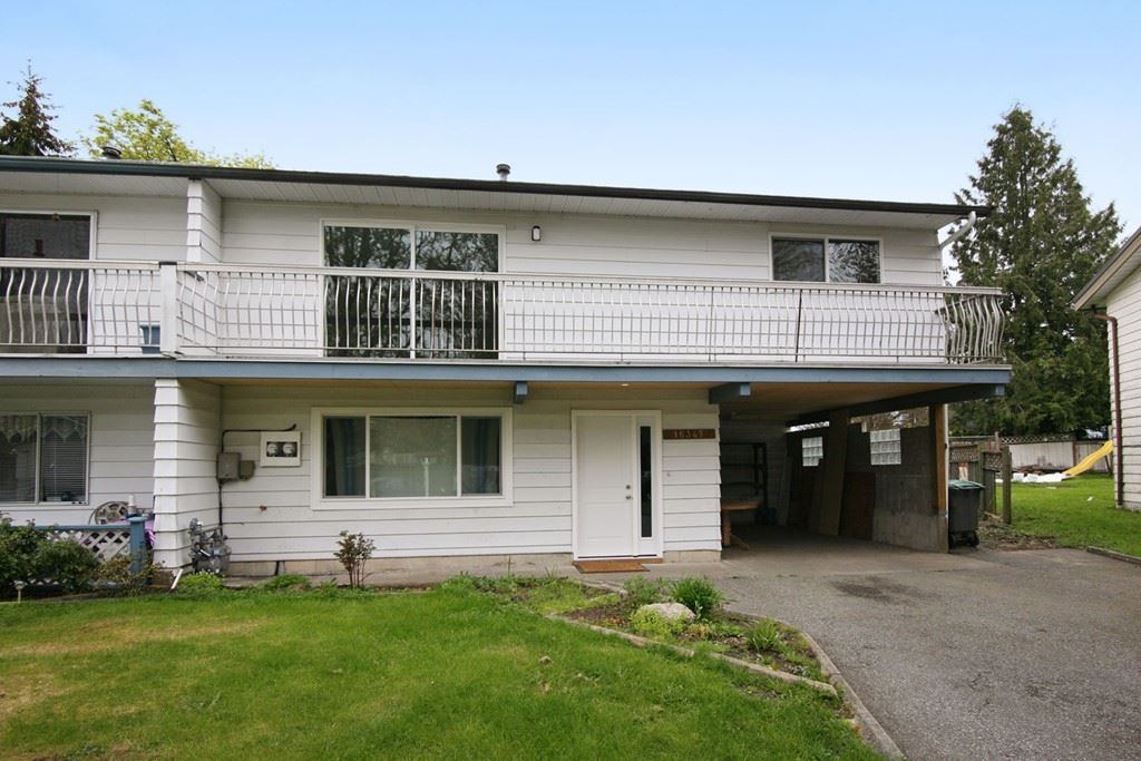Main Photo: 18345 APALOOSA Place in Surrey: Cloverdale BC House 1/2 Duplex for sale (Cloverdale)  : MLS(r) # R2172590