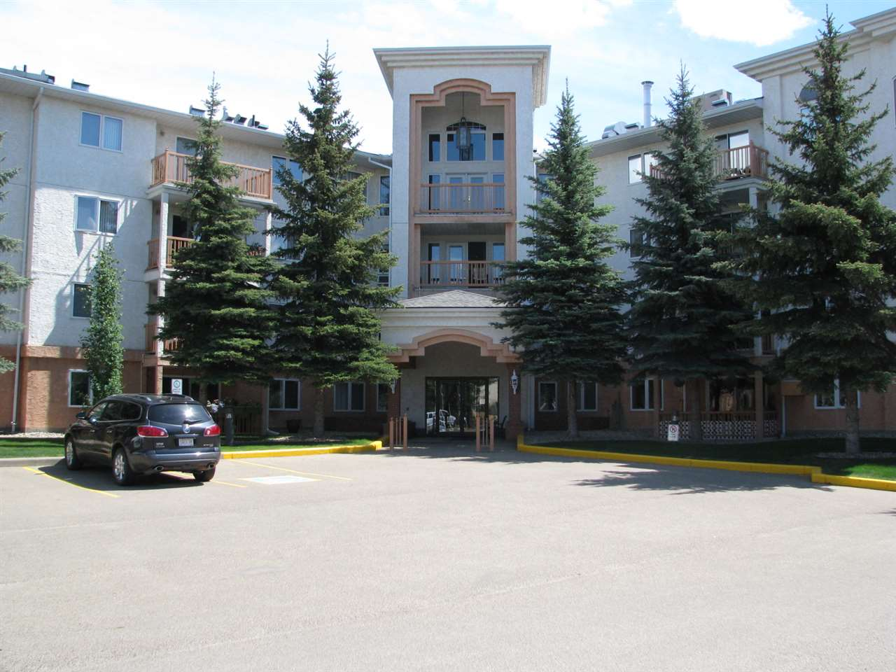 Main Photo: 202 10903 21 Avenue in Edmonton: Zone 16 Condo for sale : MLS(r) # E4067066