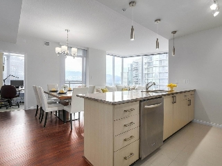 "Main Photo: 1705 1211 MELVILLE Street in Vancouver: Coal Harbour Condo for sale in ""THE RITZ"" (Vancouver West)  : MLS(r) # R2173539"