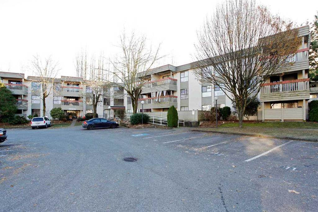 "Main Photo: 121 32850 GEORGE FERGUSON Way in Abbotsford: Central Abbotsford Condo for sale in ""Abby Place"" : MLS® # R2186689"
