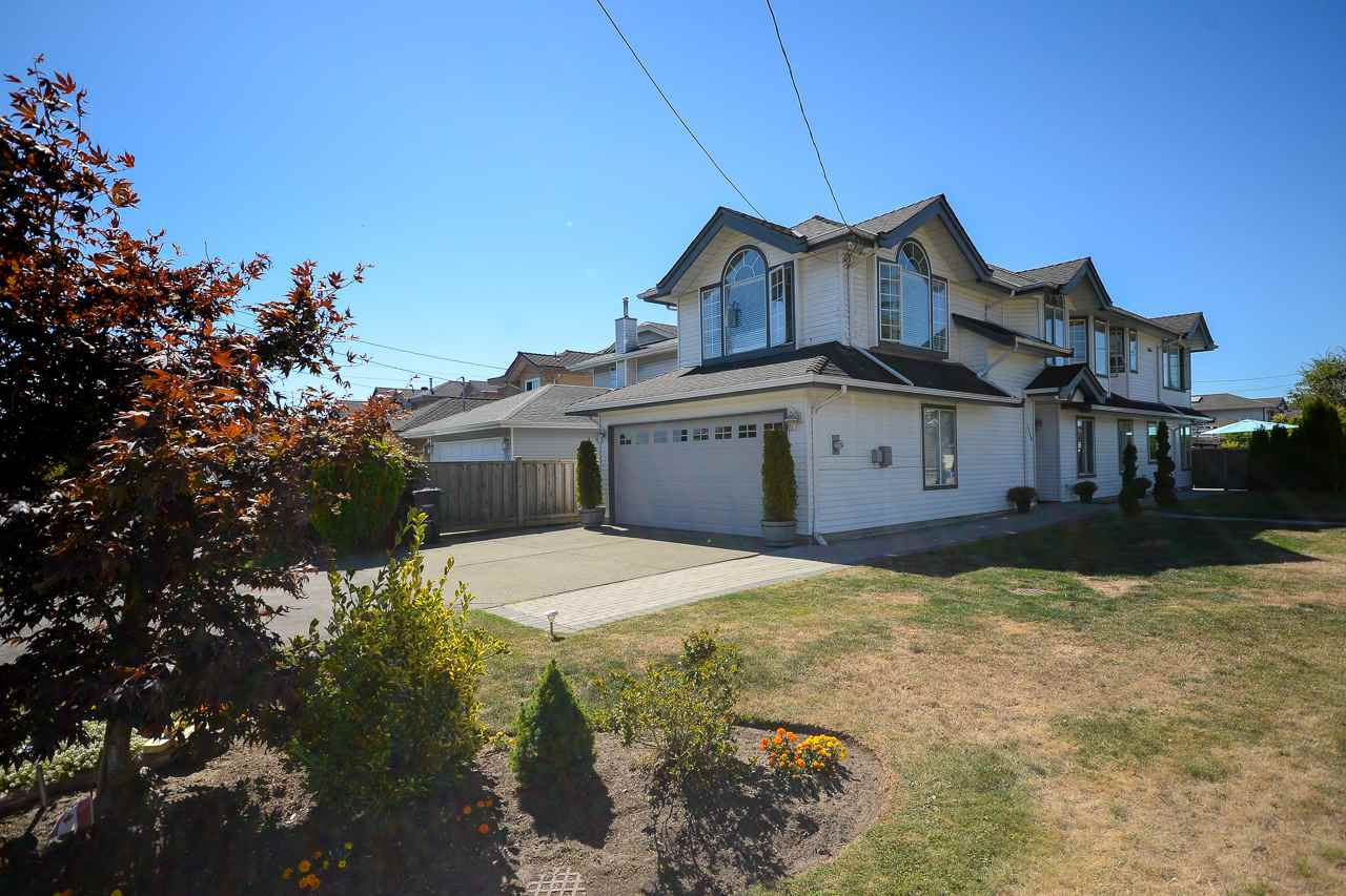 "Main Photo: 3380 PLEASANT Street in Richmond: Steveston Village House for sale in ""STEVESTON VILLAGE"" : MLS® # R2200736"