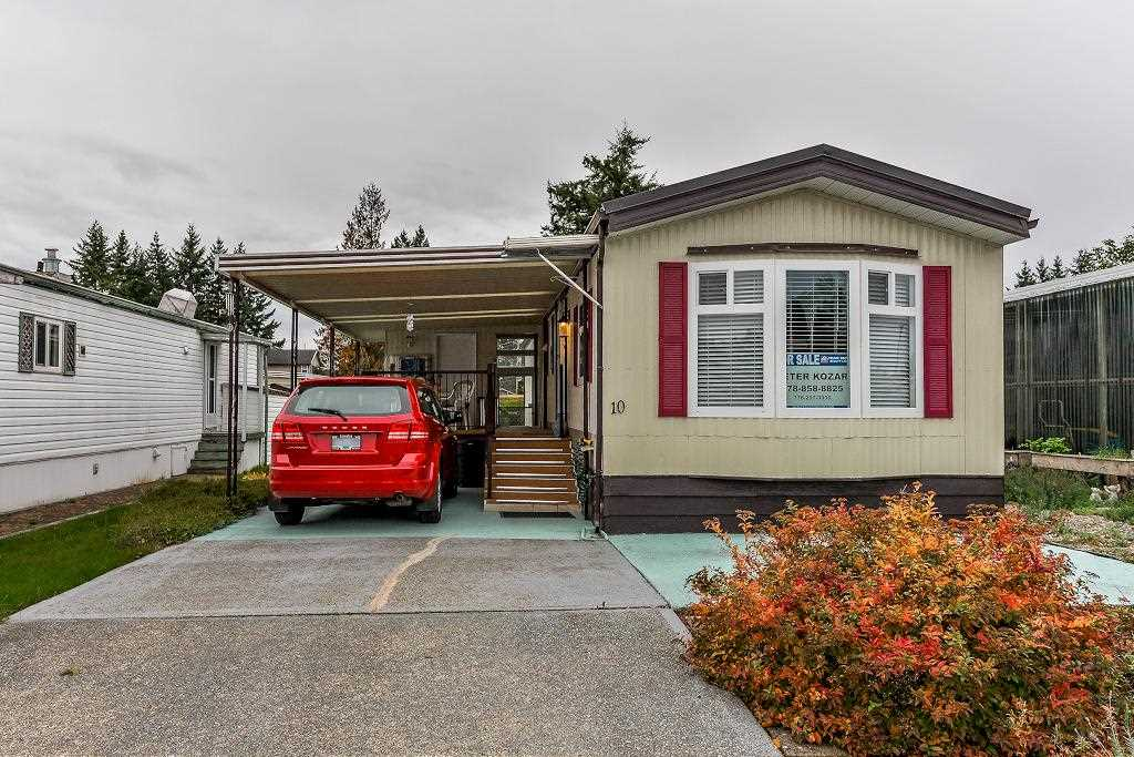 "Main Photo: 10 8670 156 Street in Surrey: Fleetwood Tynehead Manufactured Home for sale in ""Westwoodcourt"" : MLS®# R2214353"