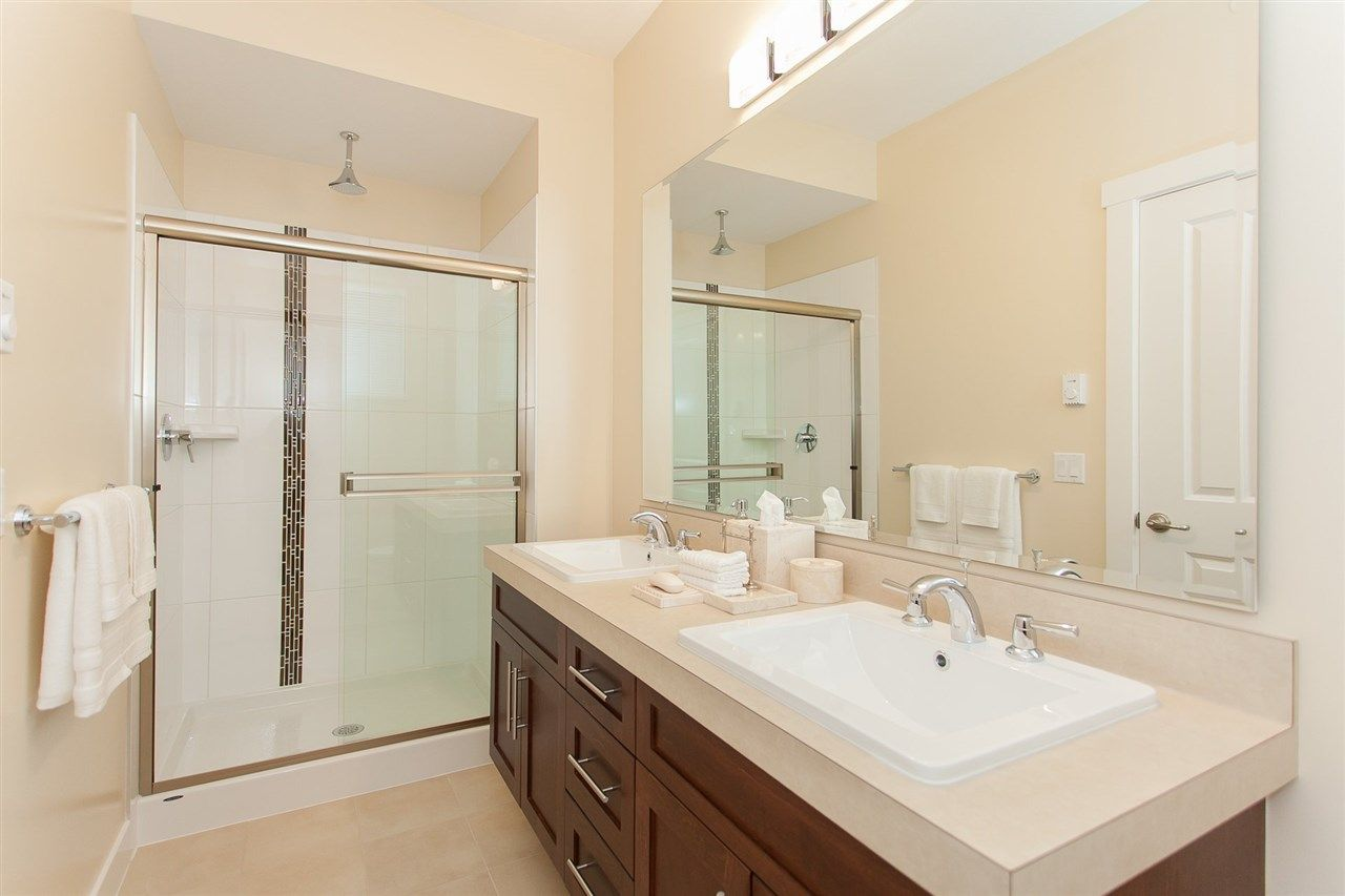 "Photo 11: Photos: 15 9525 204 Street in Langley: Walnut Grove Townhouse for sale in ""The Time"" : MLS® # R2217984"