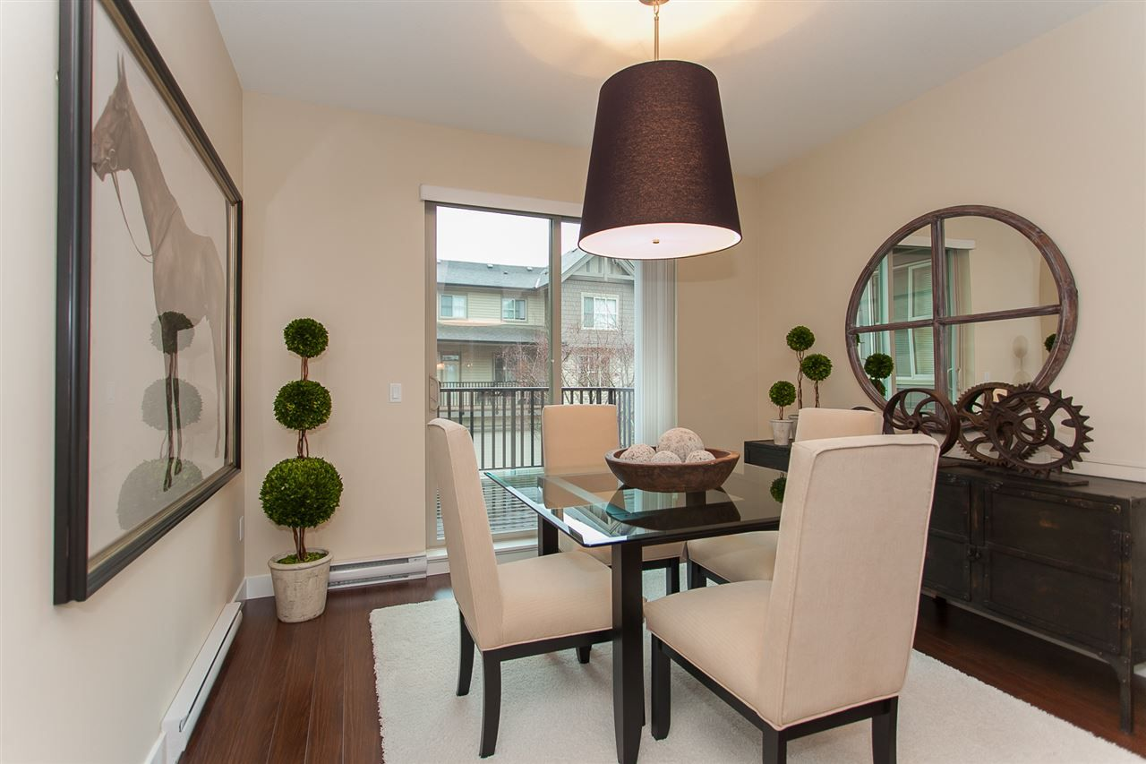 "Photo 6: Photos: 15 9525 204 Street in Langley: Walnut Grove Townhouse for sale in ""The Time"" : MLS® # R2217984"