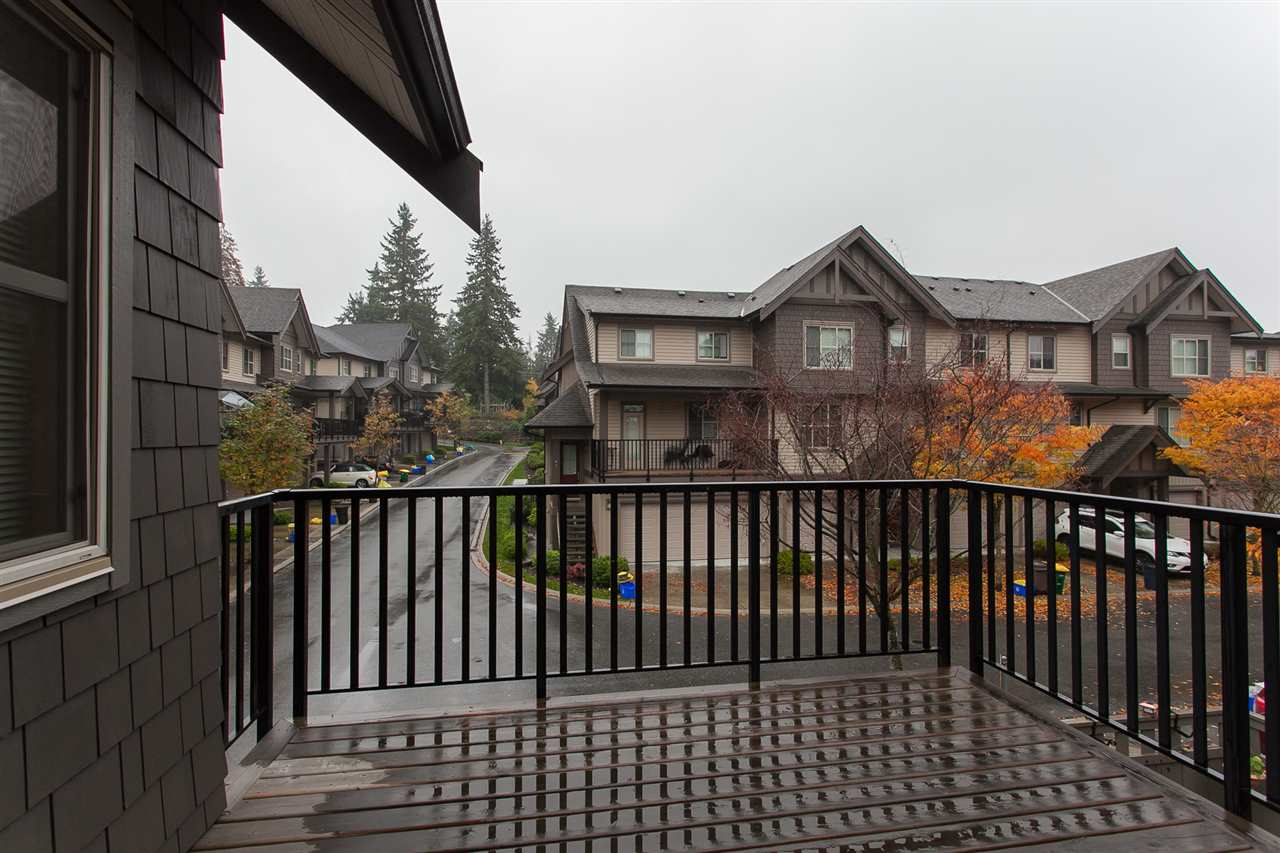 "Photo 7: Photos: 15 9525 204 Street in Langley: Walnut Grove Townhouse for sale in ""The Time"" : MLS® # R2217984"