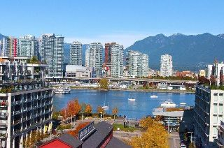 "Main Photo: 1101 88 W 1ST Avenue in Vancouver: False Creek Condo for sale in ""THE ONE"" (Vancouver West)  : MLS® # R2234746"