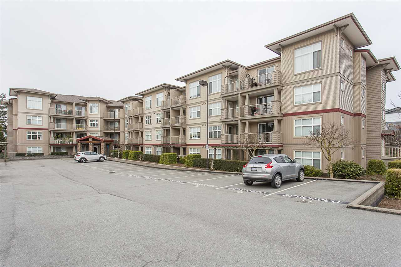 "Main Photo: 310 2515 PARK Drive in Abbotsford: Abbotsford East Condo for sale in ""Viva on Park"" : MLS®# R2253616"