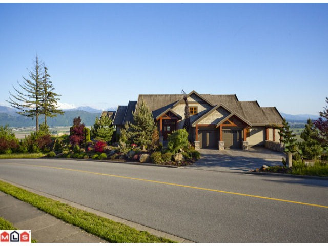 "Main Photo: 35412 EAGLE MOUNTAIN Drive in Abbotsford: Abbotsford East House for sale in ""Eagle Mountain"""