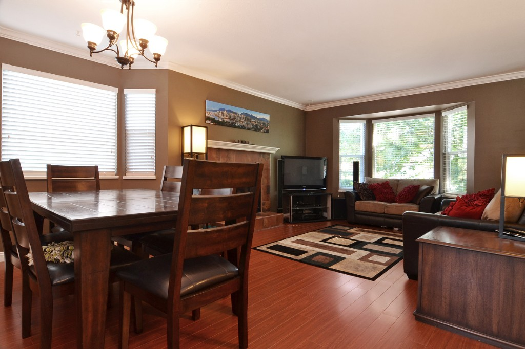 "Photo 2: 21559 95TH Avenue in Langley: Walnut Grove House for sale in ""Walnut Grove"" : MLS® # F1425521"