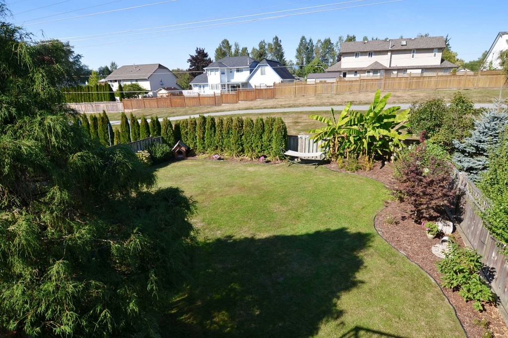 "Photo 9: 21559 95TH Avenue in Langley: Walnut Grove House for sale in ""Walnut Grove"" : MLS® # F1425521"