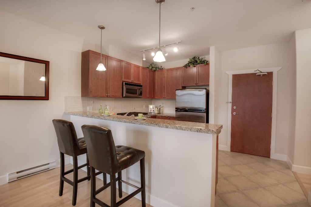 "Photo 3: 223 4280 MONCTON Street in Richmond: Steveston South Condo for sale in ""The Village"