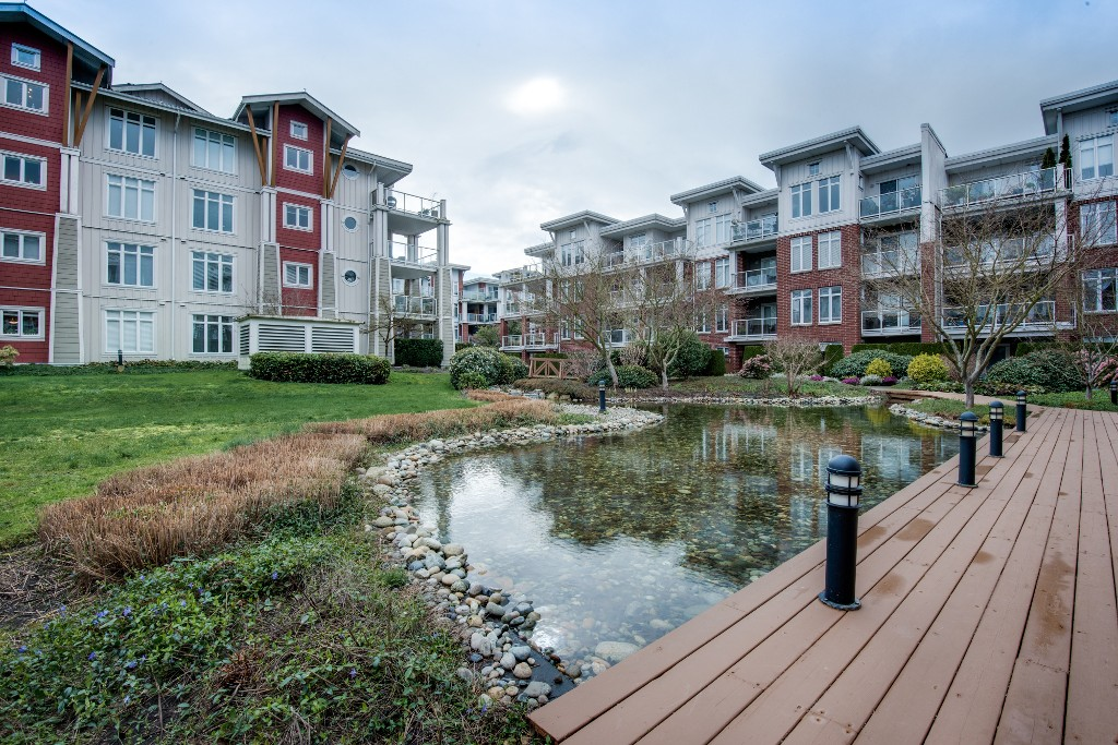 "Photo 10: 223 4280 MONCTON Street in Richmond: Steveston South Condo for sale in ""The Village"
