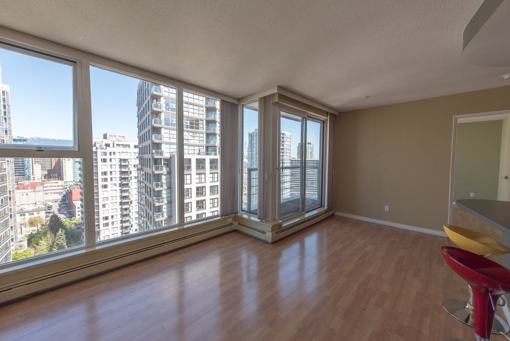 "Photo 2: 2203 1008 CAMBIE Street in Vancouver: Yaletown Condo for sale in ""WATERWORKS"" (Vancouver West)  : MLS(r) # R2054315"