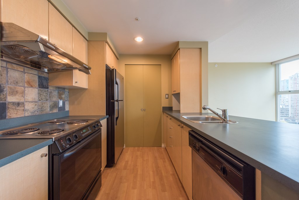 "Photo 6: 2203 1008 CAMBIE Street in Vancouver: Yaletown Condo for sale in ""WATERWORKS"" (Vancouver West)  : MLS(r) # R2054315"