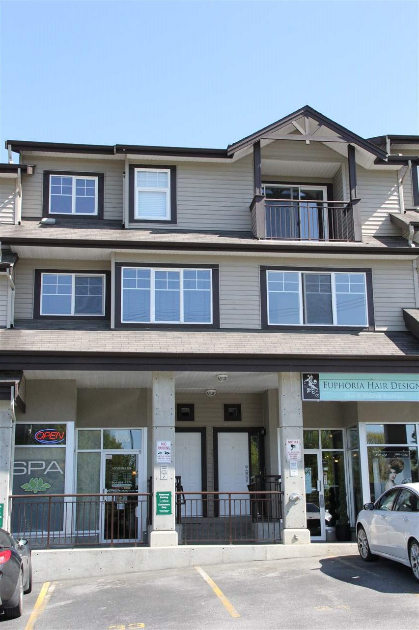 "Main Photo: 7 8814 216 Street in Langley: Walnut Grove Townhouse for sale in ""Redwoods Corner"" : MLS(r) # R2055444"