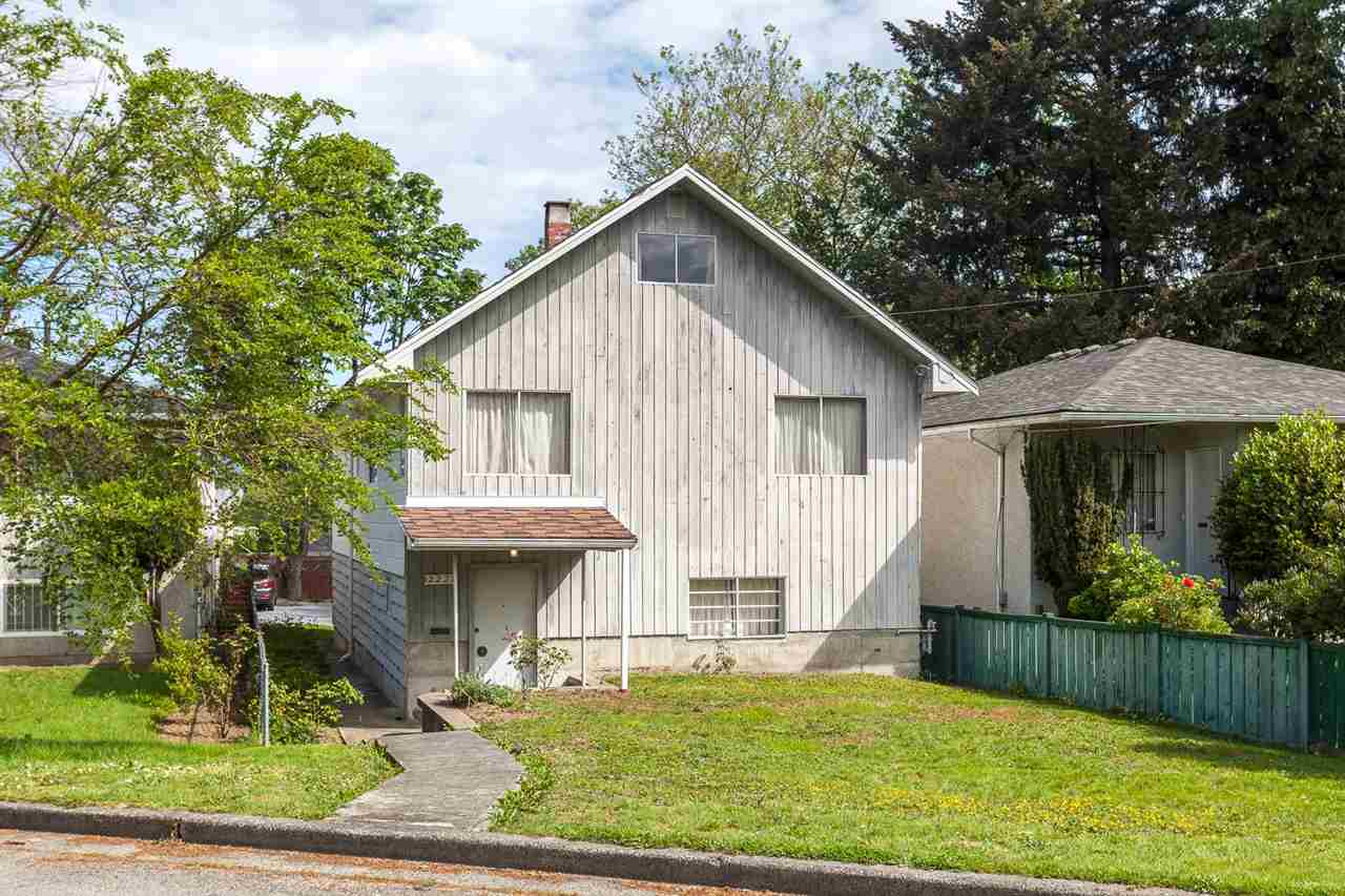 Main Photo: 2227 WENONAH Street in Vancouver: Victoria VE House for sale (Vancouver East)  : MLS® # R2067026