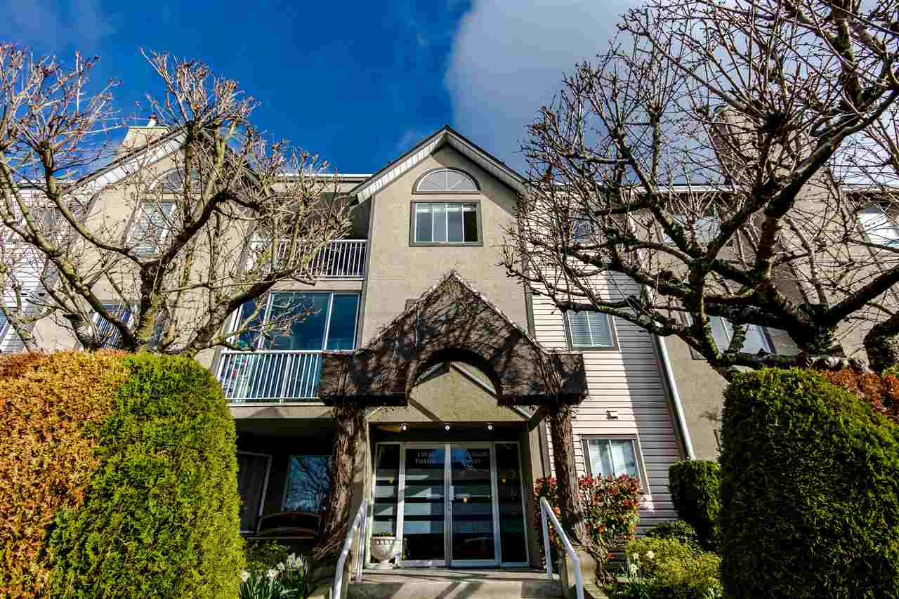 "Main Photo: 204 15035 THRIFT Avenue: White Rock Condo for sale in ""Grosvenor Court"" (South Surrey White Rock)  : MLS® # R2070999"