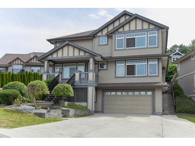 "Main Photo: 8 3299 HARVEST Drive in Abbotsford: Abbotsford East House for sale in ""THE HIGHLANDS"" : MLS®# R2076219"