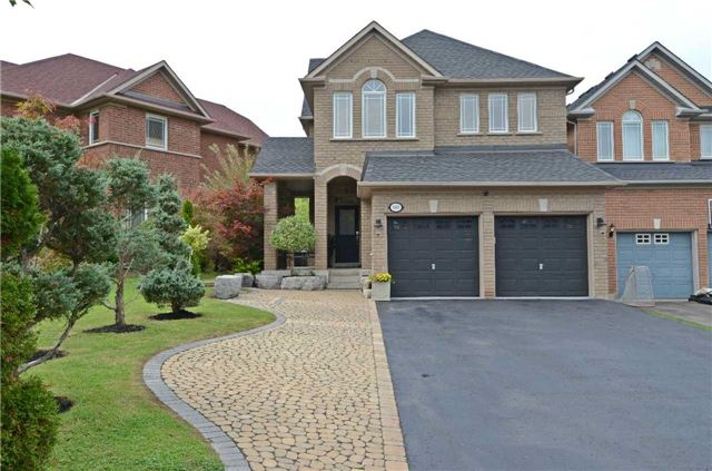 Main Photo: 148 Estate Garden Drive in Richmond Hill: Oak Ridges House (2-Storey) for sale : MLS®# N3589792