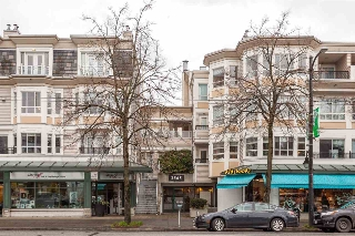 "Main Photo: 315 2565 W BROADWAY Avenue in Vancouver: Kitsilano Townhouse for sale in ""TRAFALGAR MEWS"" (Vancouver West)  : MLS(r) # R2125124"