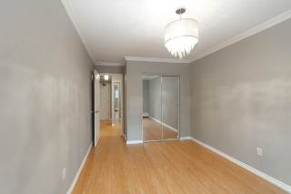 "Main Photo: 114 200 WESTHILL Place in Port Moody: College Park PM Condo for sale in ""WESTHILL PLACE"" : MLS(r) # R2145634"